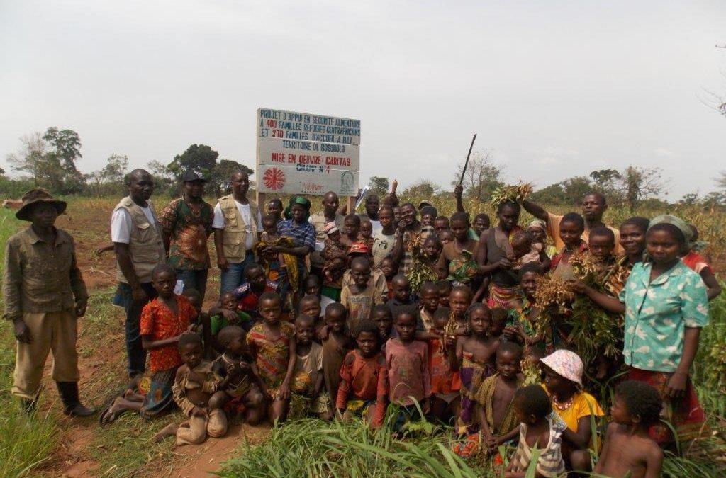 La Fundación Albihar y Caritas Congo han contribuido a garantizar la seguridad alimentaria de familias refugiadas centroafricanas y de acogida en el norte de la provincia de Nord Ubangui, en la República Democrática del Congo