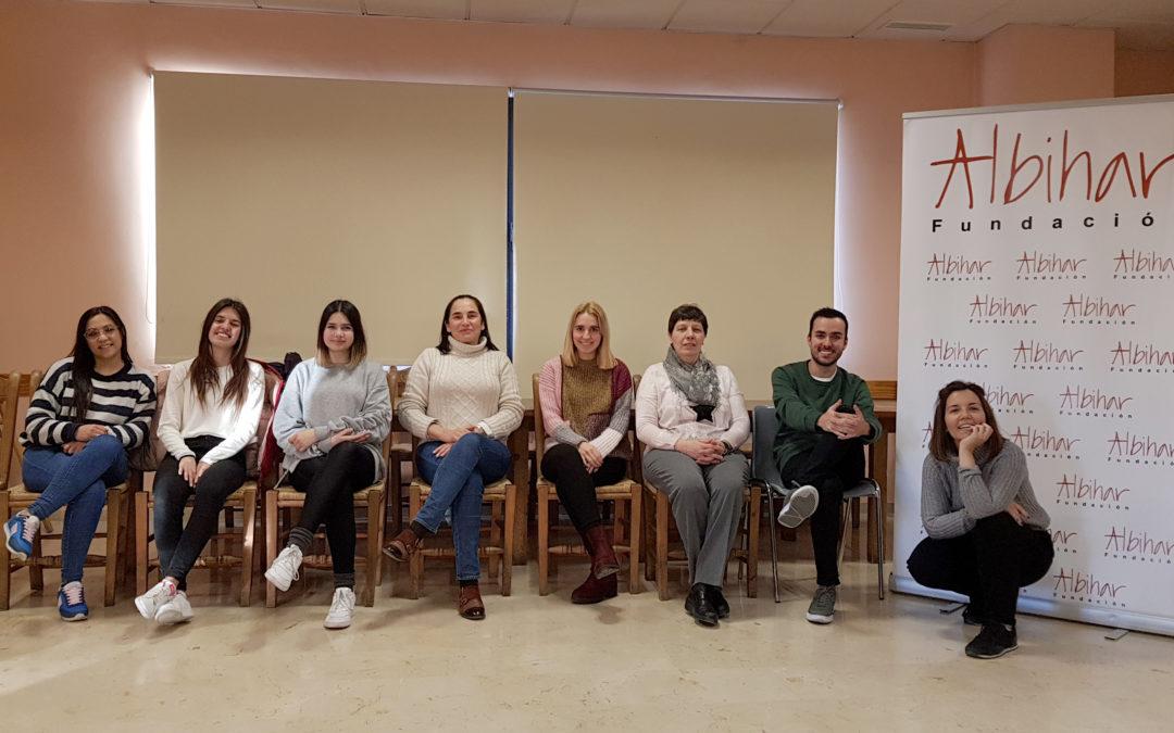 Una veintena de voluntarios de Albihar intercambian sus experiencias
