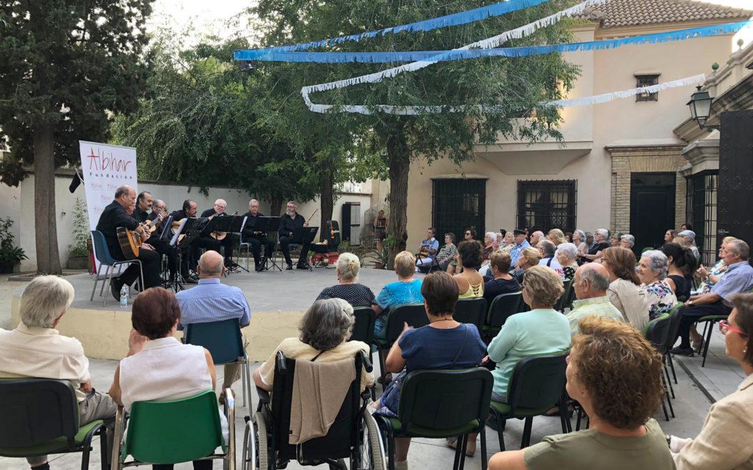 Los PanDivos homenajearon un año más a los mayores